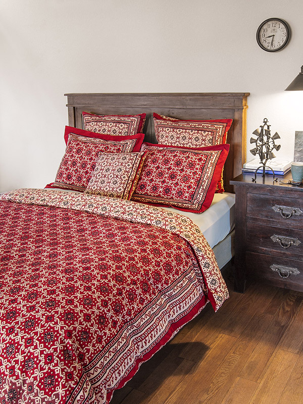 Ruby Kilim Brings Color And Drama To Your Fall Bedroom