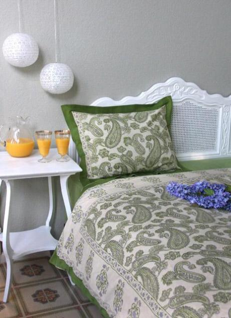 Fresh Green White And Lavender Bedroom Decor For Summer
