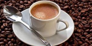 تناول فنجانين قهوة يساعد علي تطور سرطان الرئة