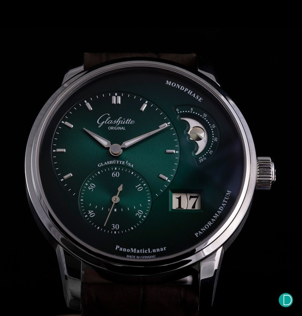 Glashütte Original PanoMaticLunar in the new beautiful forest green dégradé dial hands-on review
