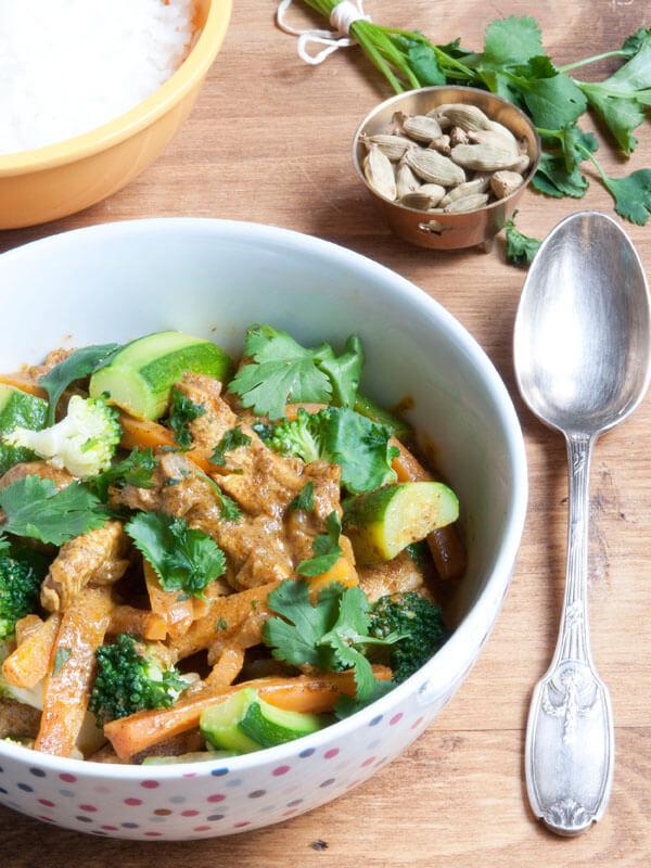 Poulet au Curry & Légumes Croquants