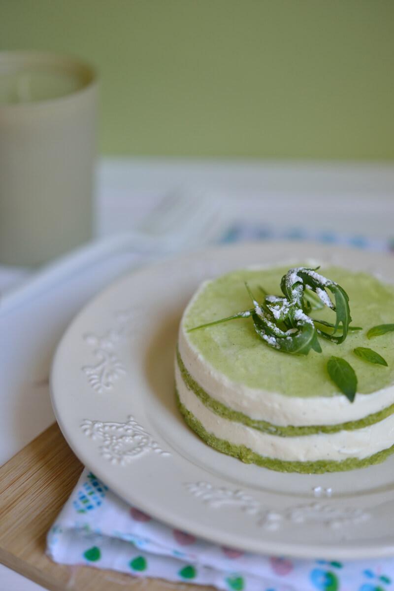Cheesecake, biscuit à la roquette et gelée de basilic...