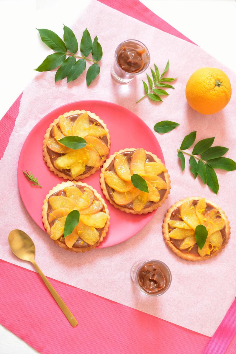 Tartelettes aux Pêches, Sauce Chocolat & Caramel