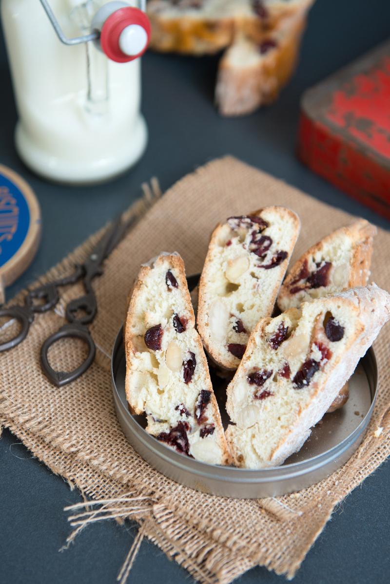 Biscottis aux Amandes et Cranberries