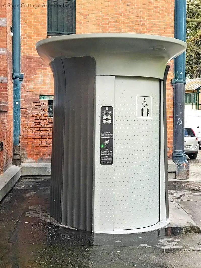 free public self-cleaning Paris toilet