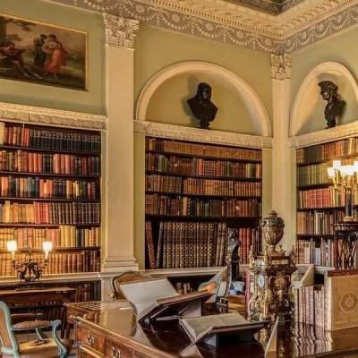 Design Inspiration: 20 Built-in Bookshelves