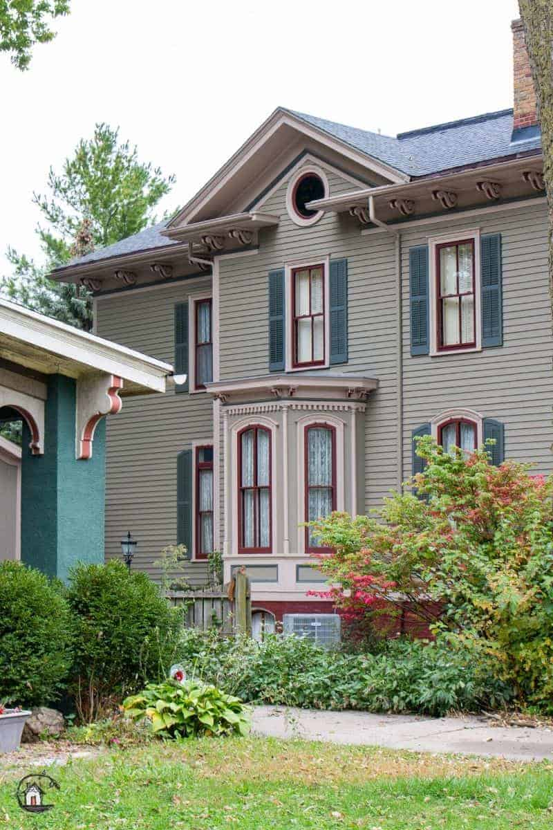 Photo of the side of an old home. New houses can learn a lot from old houses.