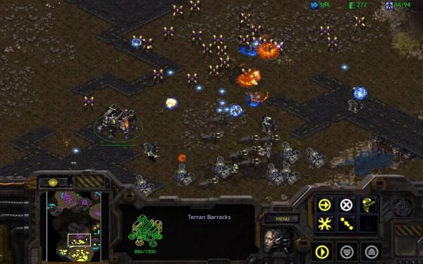 Protoss vs Terran in StarCraft game