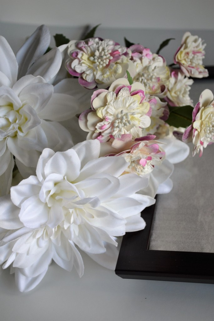 DIY Flower Picture Frame | DIY project | Easy project | artificial flowers | DIY frame