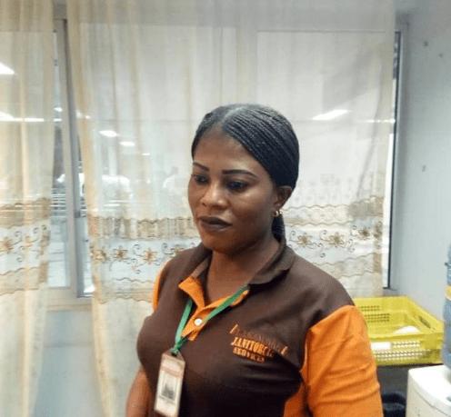 Nigeria Airport Cleaner Returns passenger's lost valuables