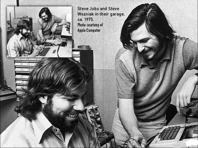 steve-jobs-e-steve-wozniak-che-lavorano-nel-proprio-garage