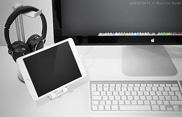 alustand-ipad-mini-cable