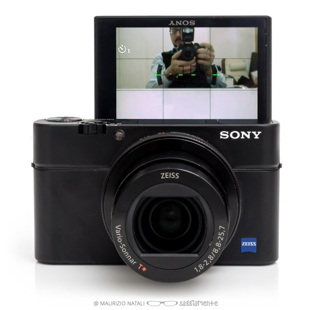 rx100m4-display-180