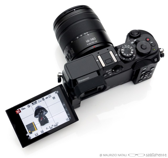 panasonic-gx8-display-acceso