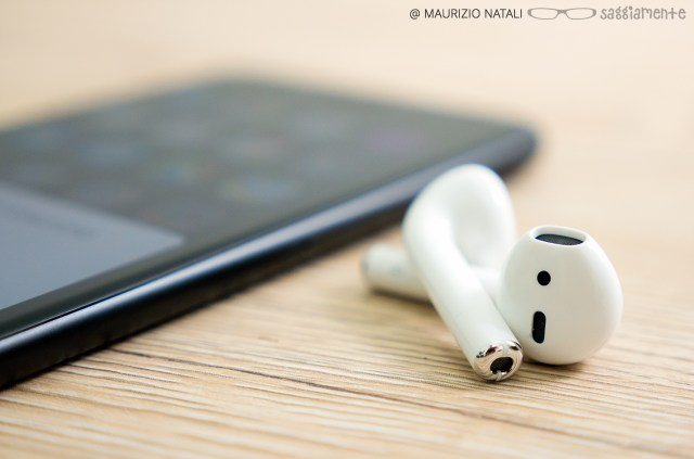 apple-airpods-10