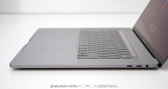 macbookpro15-touchbar-sottile