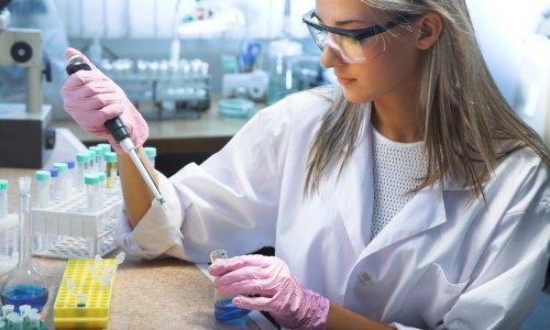 Kanser tedavisinde 'mikroskobik el bombası' yöntemi