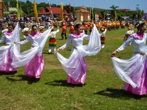 Tari Manjora Manari Lenso Maluku