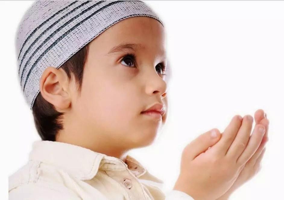 Mengajarkan Bacaan Doa-doa Harian