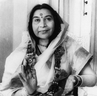 Sahaja Yoga Meditation - Shri Mataji Guru / Teacher