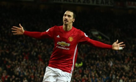 Europa: Zlatan Ibrahimovic hat trick carries Man United; Tottenham lose first leg