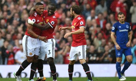 Valencia Stunner Leads United To Late Romp Over Everton