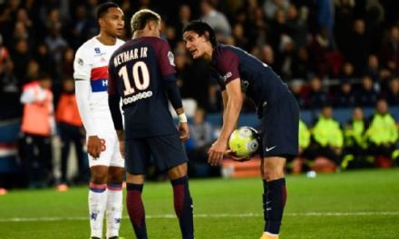 PSG Boss Tells Neymar And Cavani To Sort Out Set Piece Issues