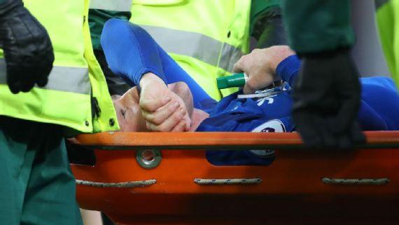 Everton's James McCarthy suffers double leg fracture