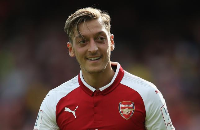 Ozil Signs 3 And Half Year Deal To Remain At Arsenal Till 2021