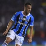 Barcelona agree €30m purchase option to sign Arthur from Gremio