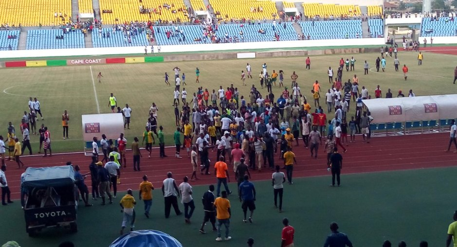 Special Competition: Fans attack officials after Ebusua - Hearts game