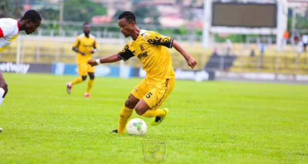 Appiah Maccarthy and Osei Agyemang extend contracts with Ashantigold
