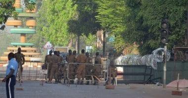 Photo of بوركينافاسو.. 5 قتلى و 11 جريحا في صفوف الجيش