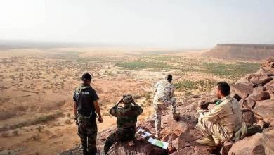 Photo of أطار.. الجيش يسلم عددا من المهربين للدرك