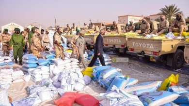 Photo of نواكشوط.. الجيش يسلم معونات غذائية لـ 20 ألف أسرة