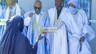 Photo of ازويرات.. رجل أعمال يوزع مساعدات نقدية على 200 أسرة