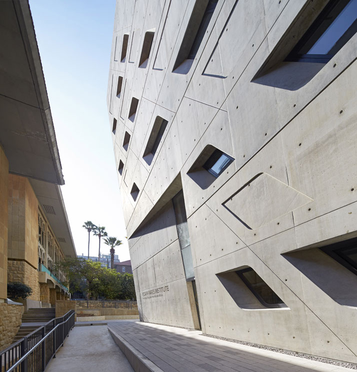 4_zaha_hadid_Issam_Fares_Institute_for_Public_Policy_and_International_Affairs_at_the_American_University_of_Beirut.jpg
