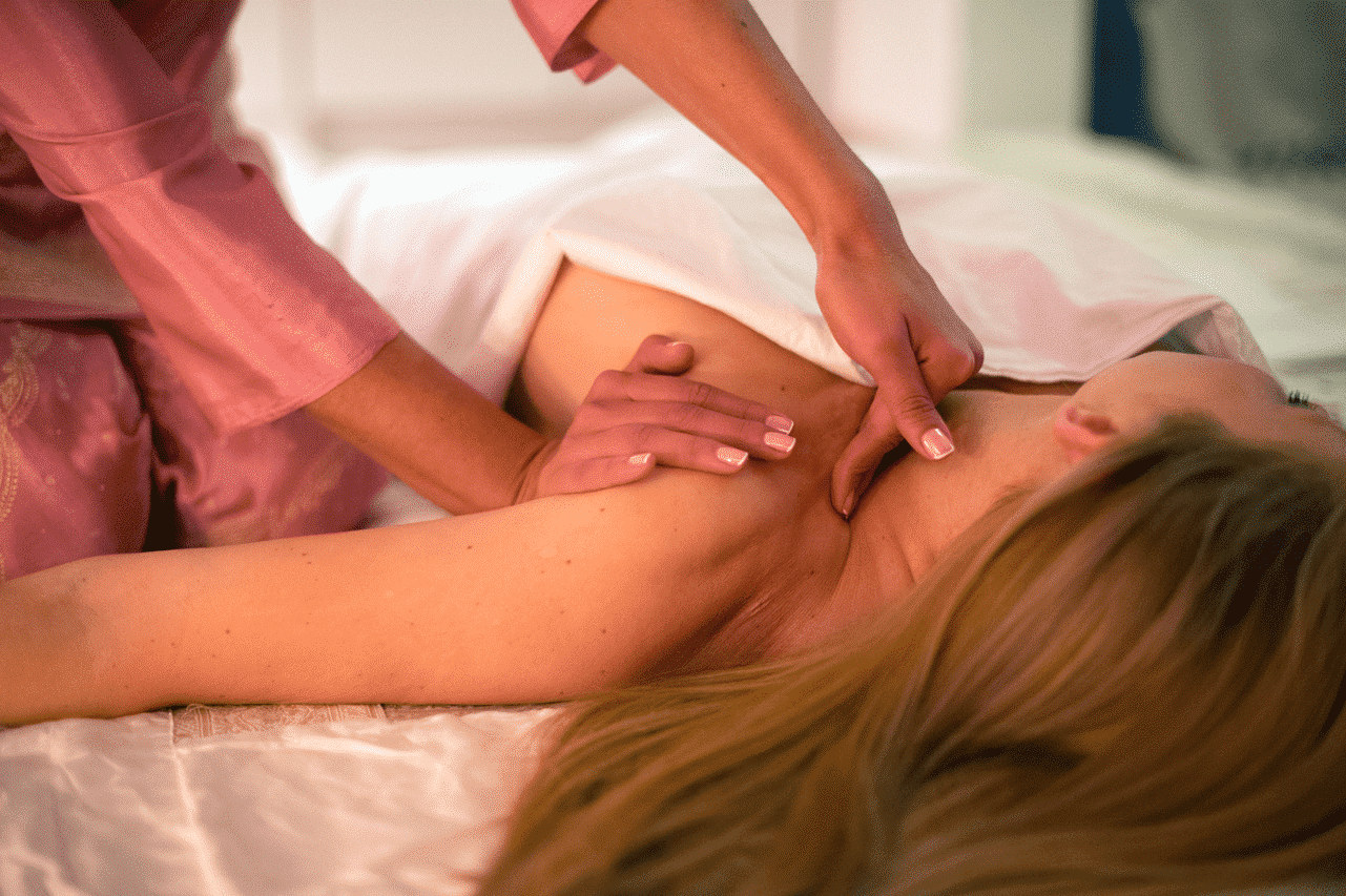 ayurvedic-breast-massage-therapy-offer