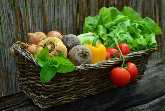 هل-توفر-الفواكه-والخضروات-العضوية-حماية-ضد-السرطان-