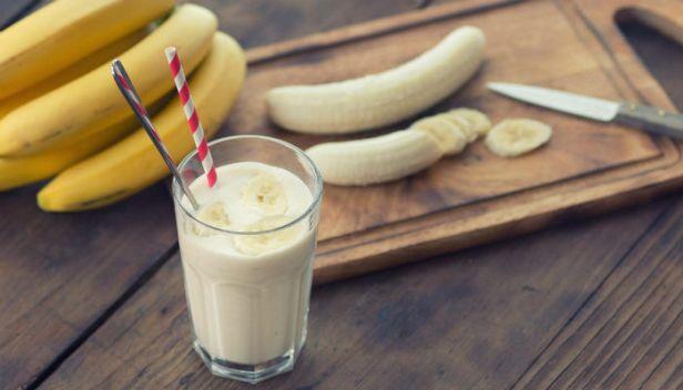 مخفوق الموز واللّبن