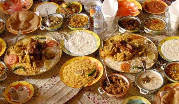 مائدة عشاء