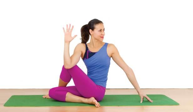 ثني الجسم مع الركبة