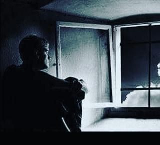 Şimdi sen yoksun ya bu şehirde...!Her gece bir ay tutulur penceremin pervazına,Baykuşlar konar parmak uçlarıma,Yıldızlar birer birer dökülür,Yokluğun deler göğü Ve bardaktan boşalırcasına hüzün yağar bu kent'e... Sinan Yıldızlı#busözlerisanayazdım #şiirsokakta #söz#felsefe #kadın #kadınım #Kitap #edebiyat #yeni#ask #özlemek #özlem #hasret#aşk #kütüphane #eser #zühre #tahir #busözlerisanayazdım #yeni #hasret #mey #meyhane #in #inst #instagram #instapic #instagood #Şair #Şiir #Kitap#edebiyat #ins #instamusic #instamusic #instacool