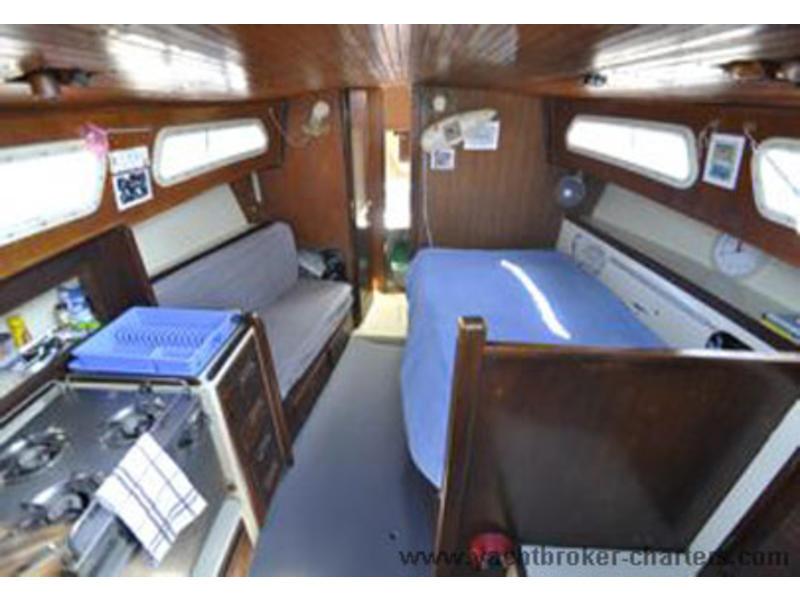 1984 Islander Yachts USA Islander Bahama 30 Sailboat For Sale In