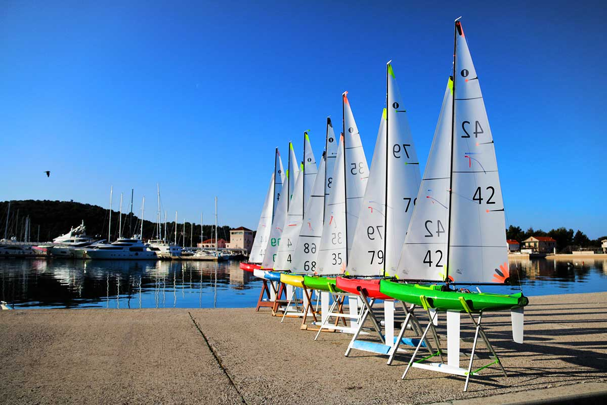 Kantun 2 IOM RC sailboat   Sailboat RC