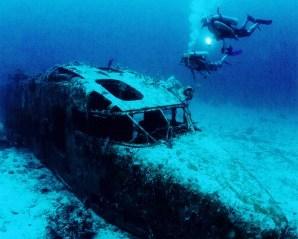 plane-wreck-coral-gardens-298x300.jpg
