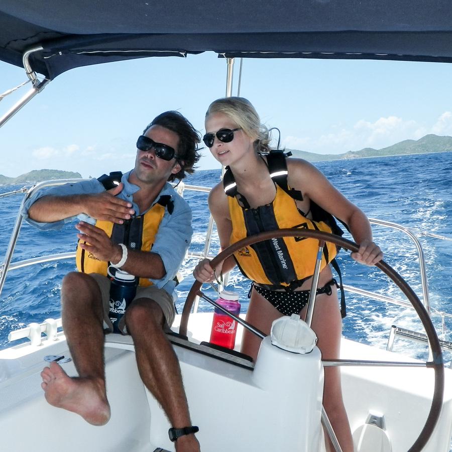 instructor_sail_girl_steer