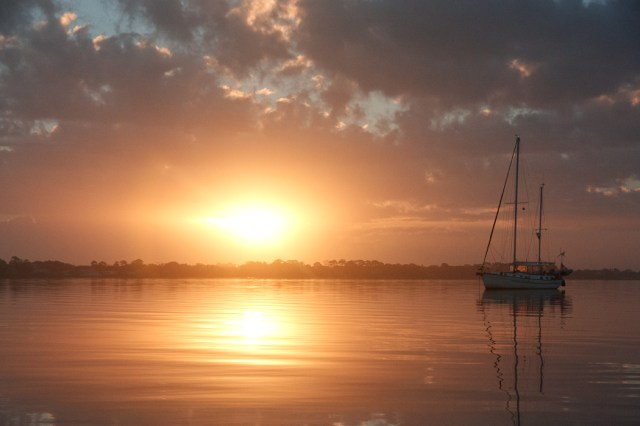 sunrise_icw_sailboat