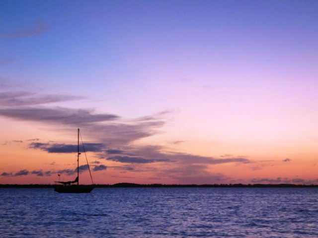 sailboat_sunset_bahamas