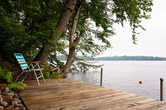 dock_lake_chair